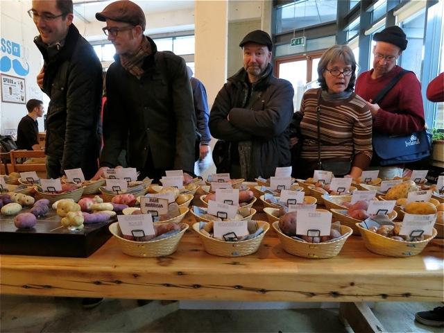 visitors-to-spuds-tastefest-2012